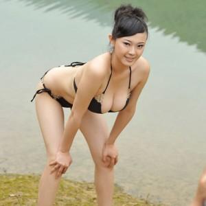 Bing-Yi-10-300x300.jpg