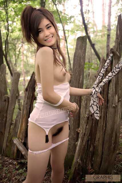 Anisa_01.jpg